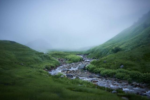 北アルプスの立山室堂より一ノ越への登山道