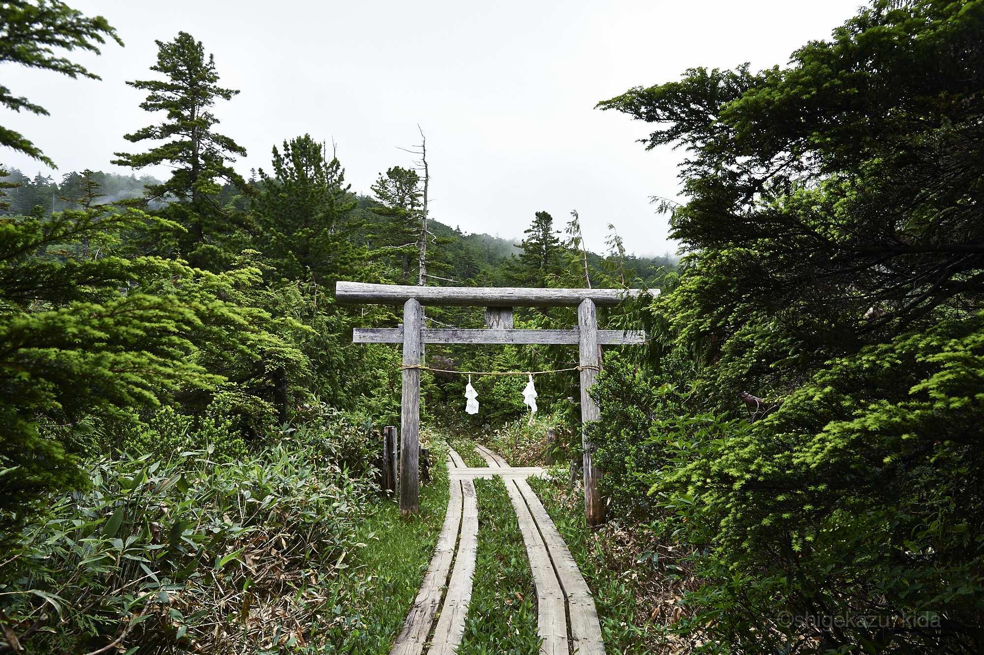 志賀山の鳥居