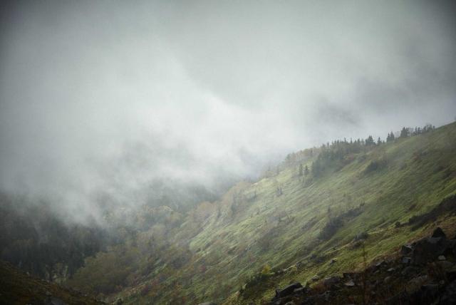 北アルプスの焼岳の登山道
