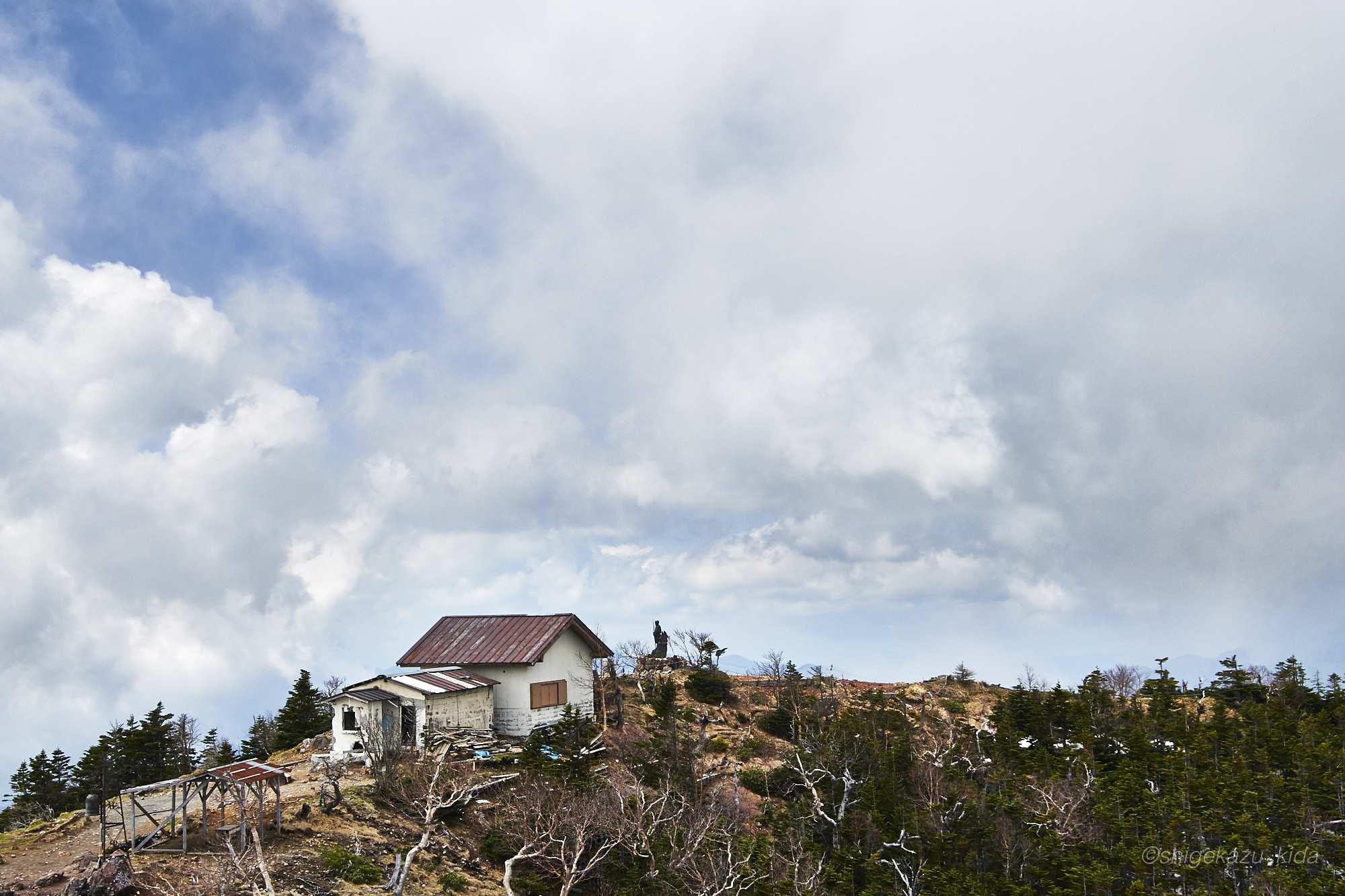 男体山山頂の二荒山神社奥宮