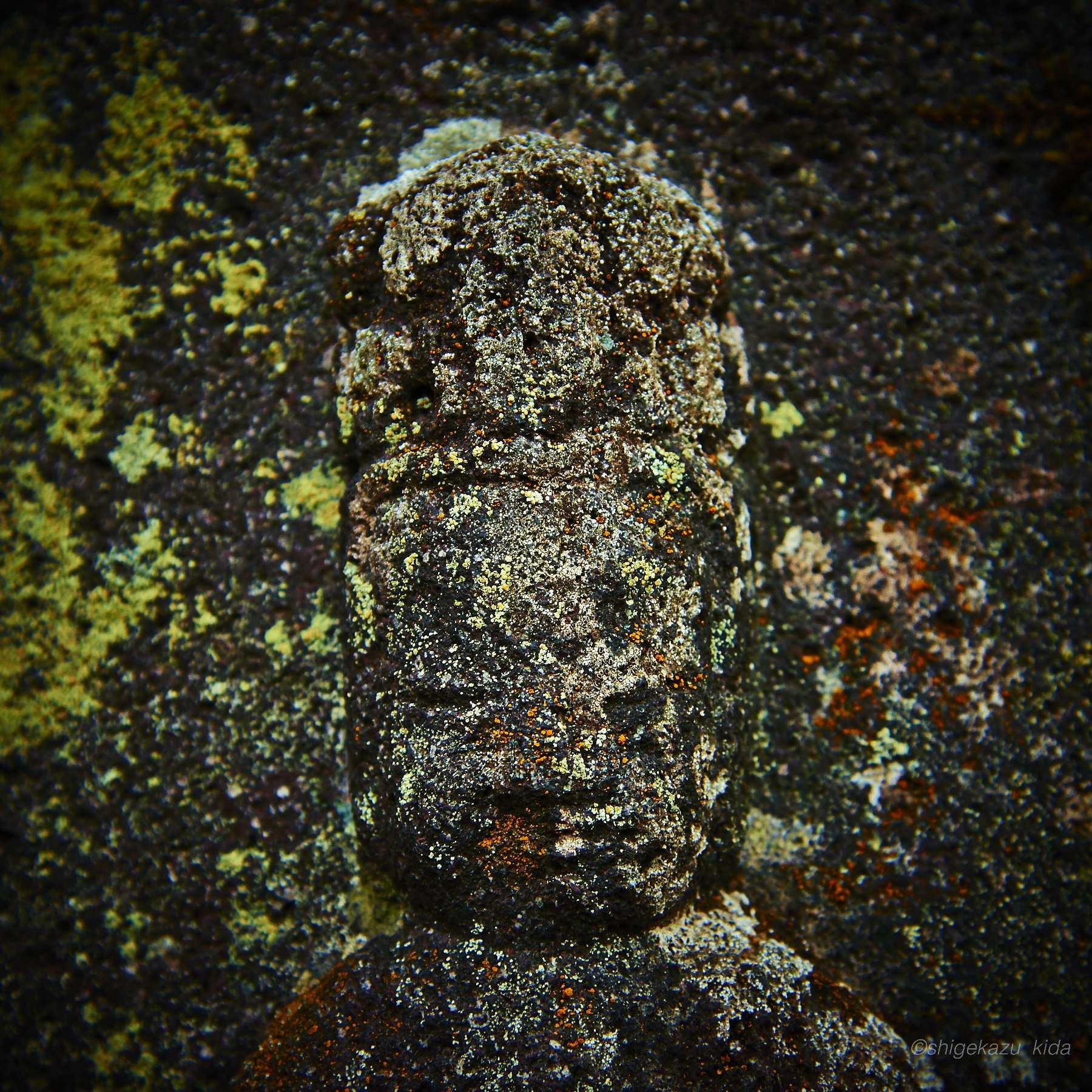 長野県松本市白骨温泉三十三観音の風化した石仏
