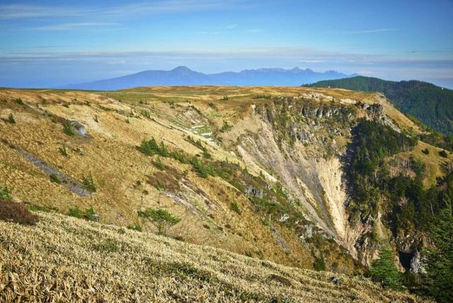 美ヶ原と断崖