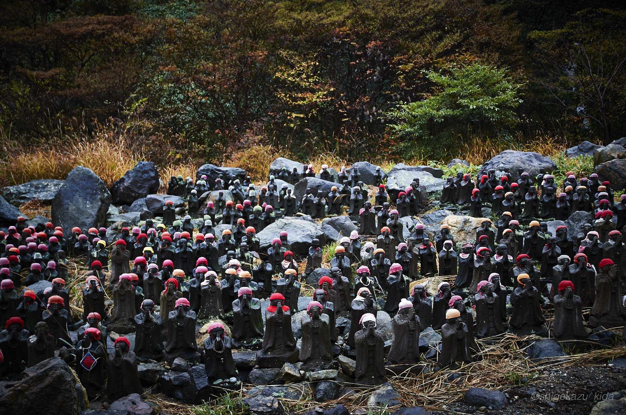 那須岳の殺生石の千体地蔵