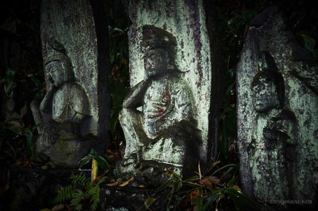 那須岳の温泉神社の石仏