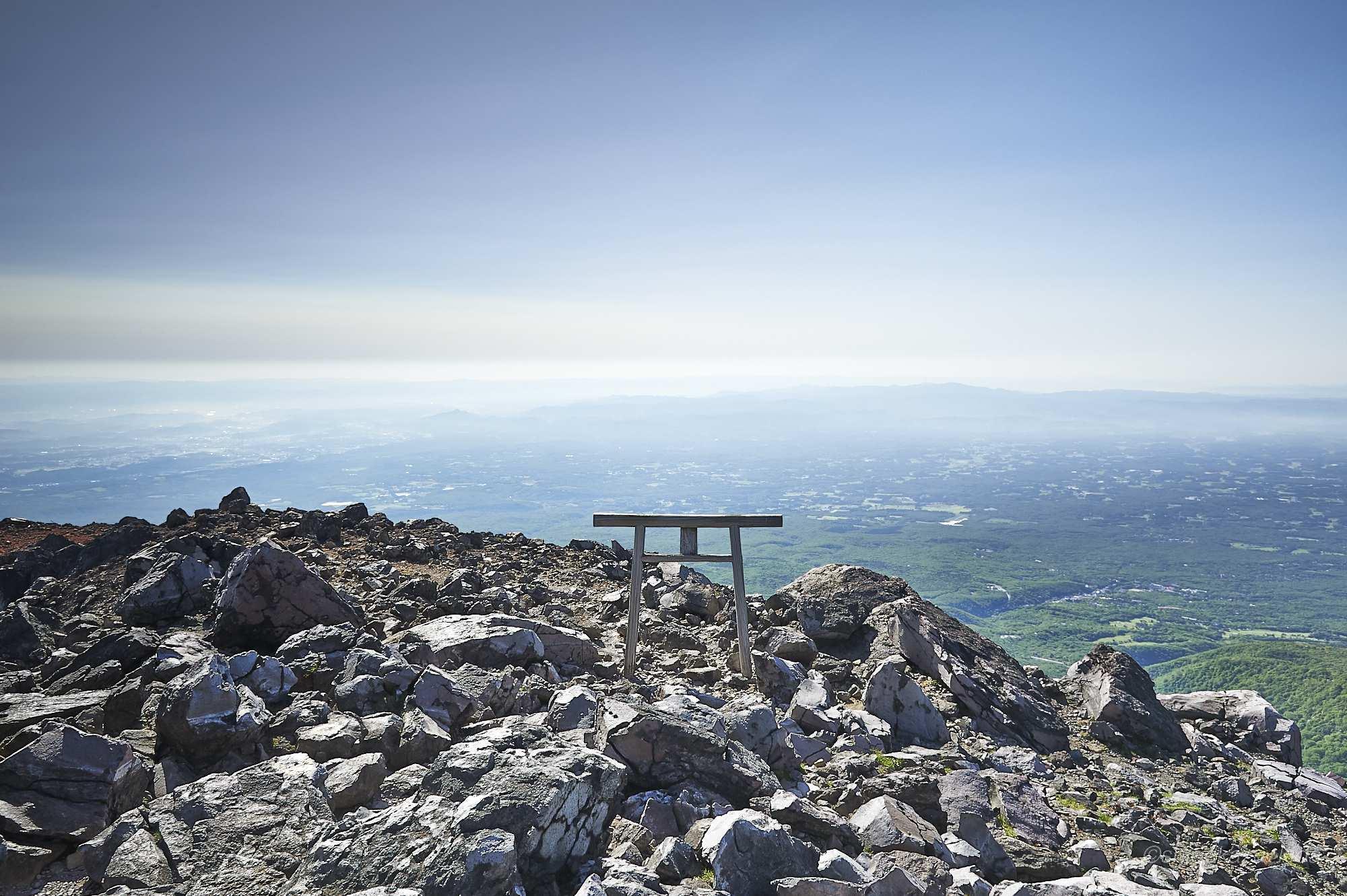 那須岳の茶臼岳の鳥居