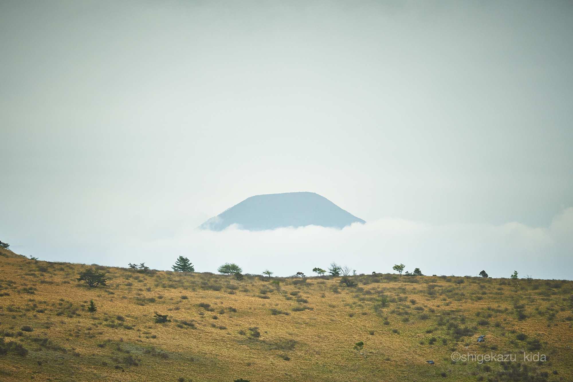 霧ヶ峰稜線と蓼科山