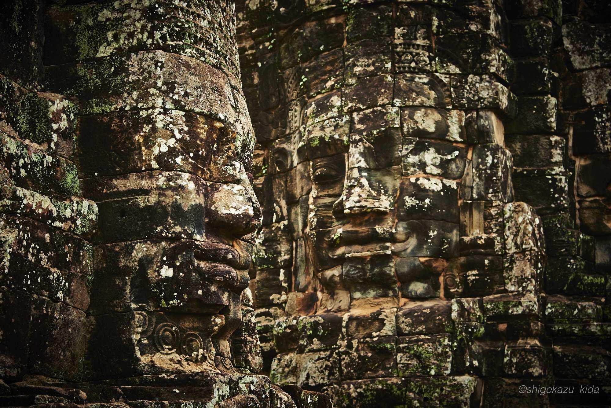Angkor(アンコール)遺跡群にあるAngkorThom(アンコール・トム)のBayon(バイヨン)の観世音菩薩の石仏の顔